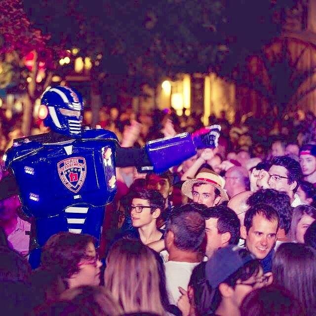 wwwbelightfr belightperformer belightrobot robotcops cops police robotpolice policeman robotled belighthellip